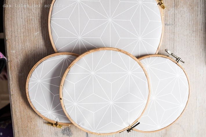 DIY mit tapete - bespannte stickrahmen-web4
