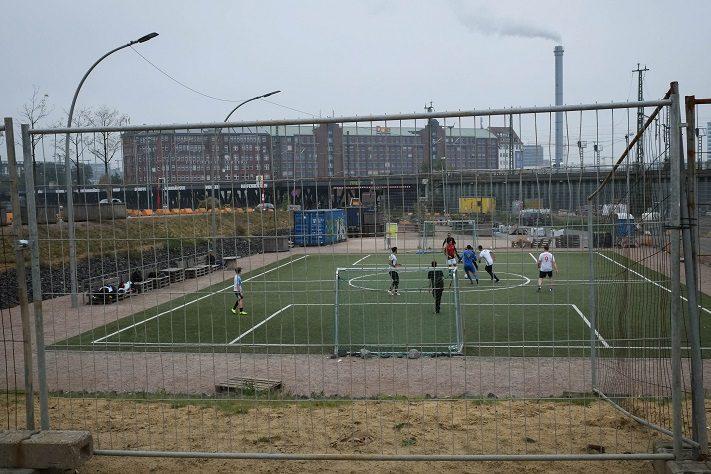 tour durch hamburg lohsepark fußball