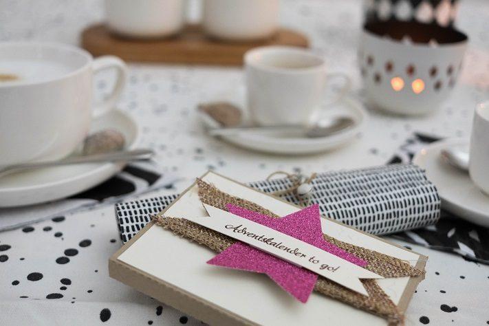 adventliche kaffeetafel mit frisch gemahlenem kaffee