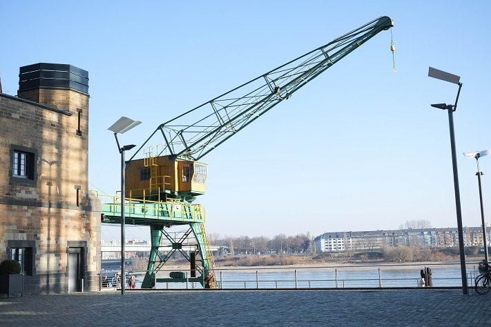 der rheinauhafen in köln im winter