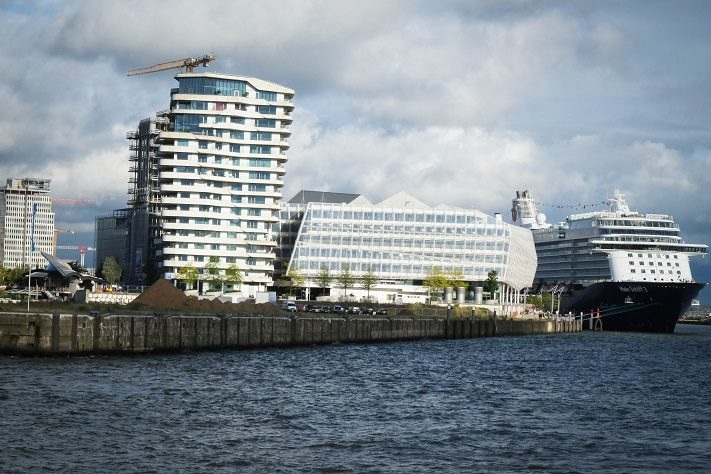 cruise days influencer hamburg- hamburger hafen
